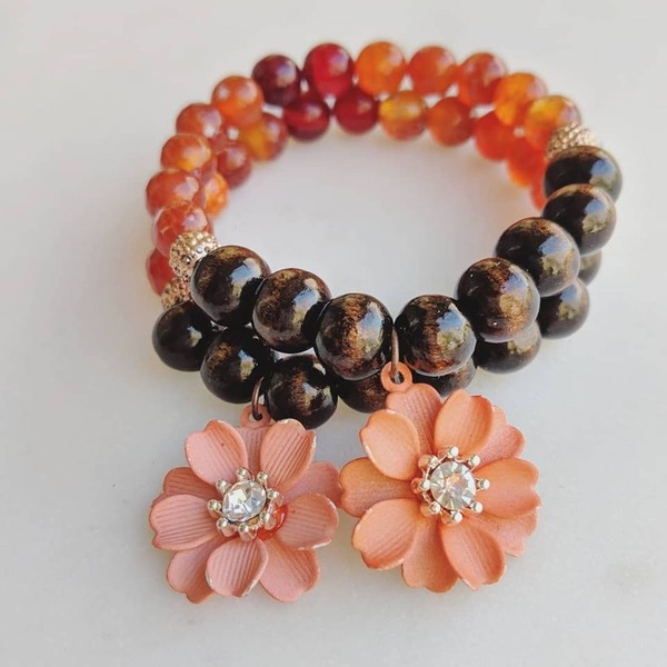 1-Piece Living Coral Wood and Flower Charm Bracelet