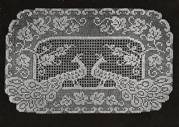 PEACOCK Vintage Crochet Doily Table Runner Dresser Scarf Pattern